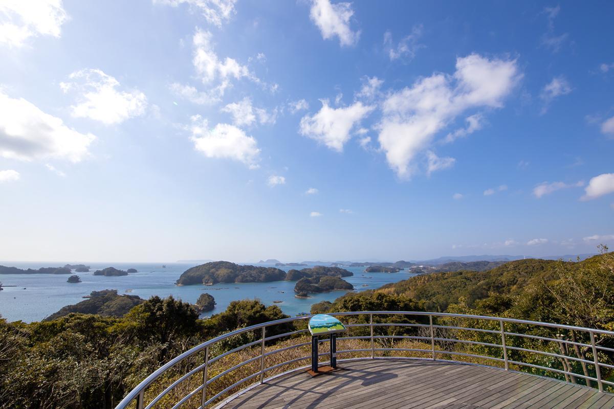 展望台から「九十九島」の絶景を望む-6