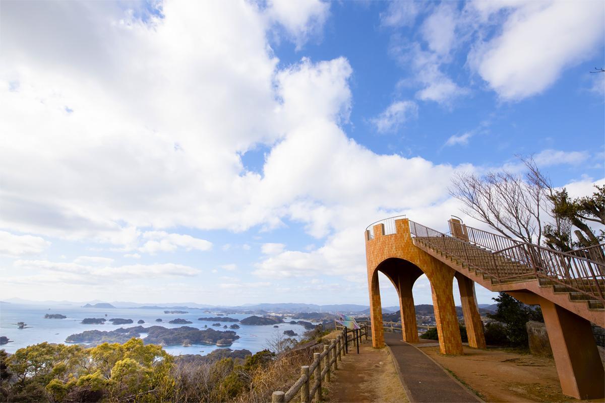 展望台から「九十九島」の絶景を望む-9
