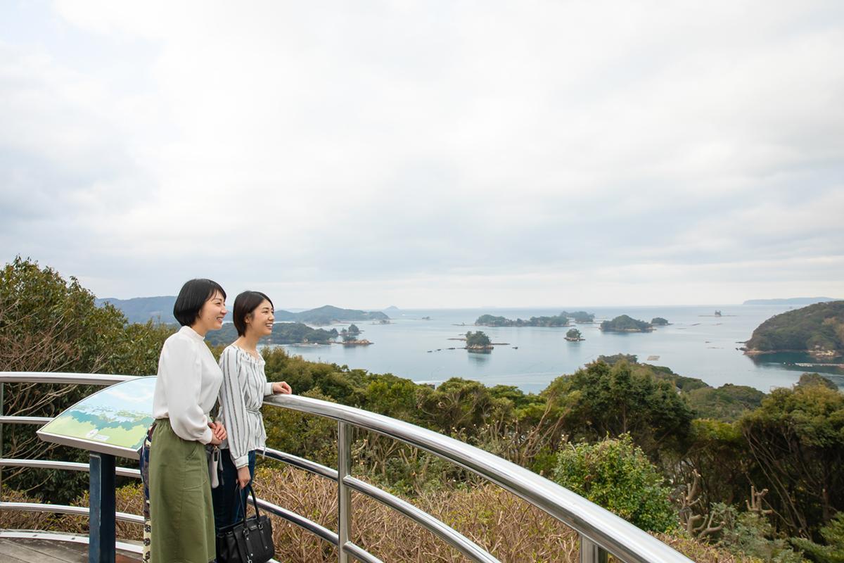 展望台から「九十九島」の絶景を望む-7
