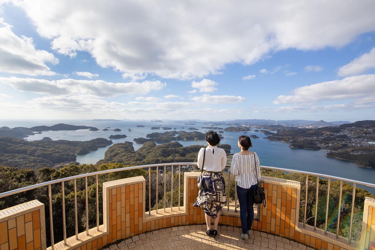 展望台から「九十九島」の絶景を望む-8