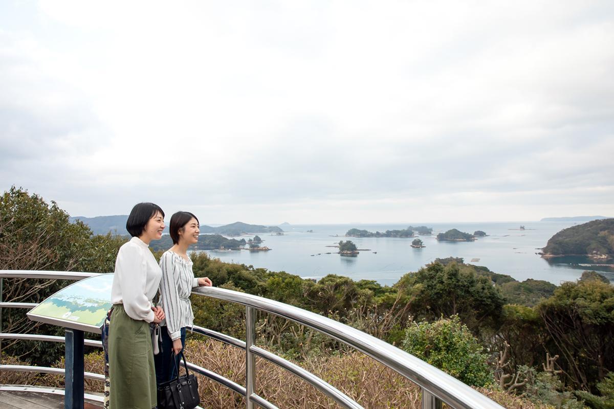 雨の日でも眼前に迫る「九十九島」の景色が楽しめる「船越展望所」-2