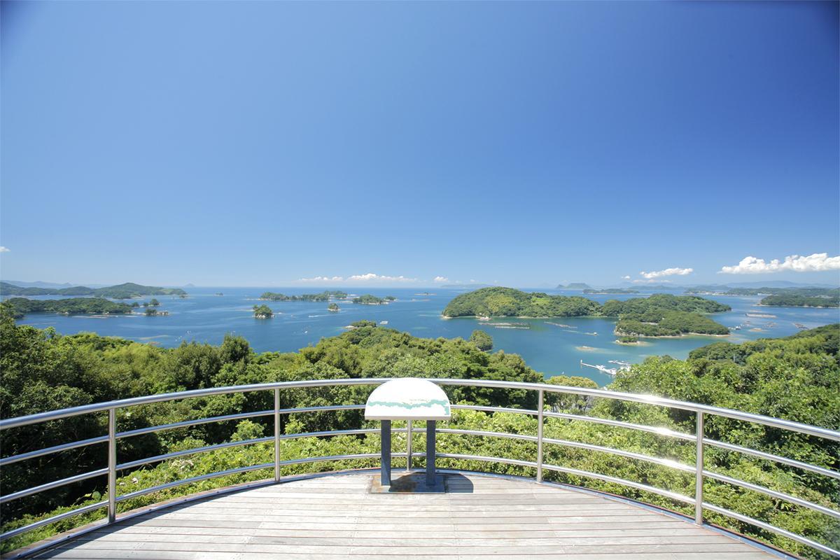 雨の日でも眼前に迫る「九十九島」の景色が楽しめる「船越展望所」-0
