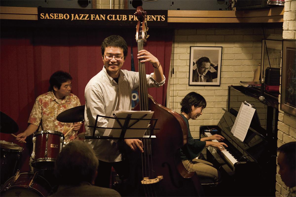 SASEBOの音楽はここから。「JAZZバー・ライブバー」-0