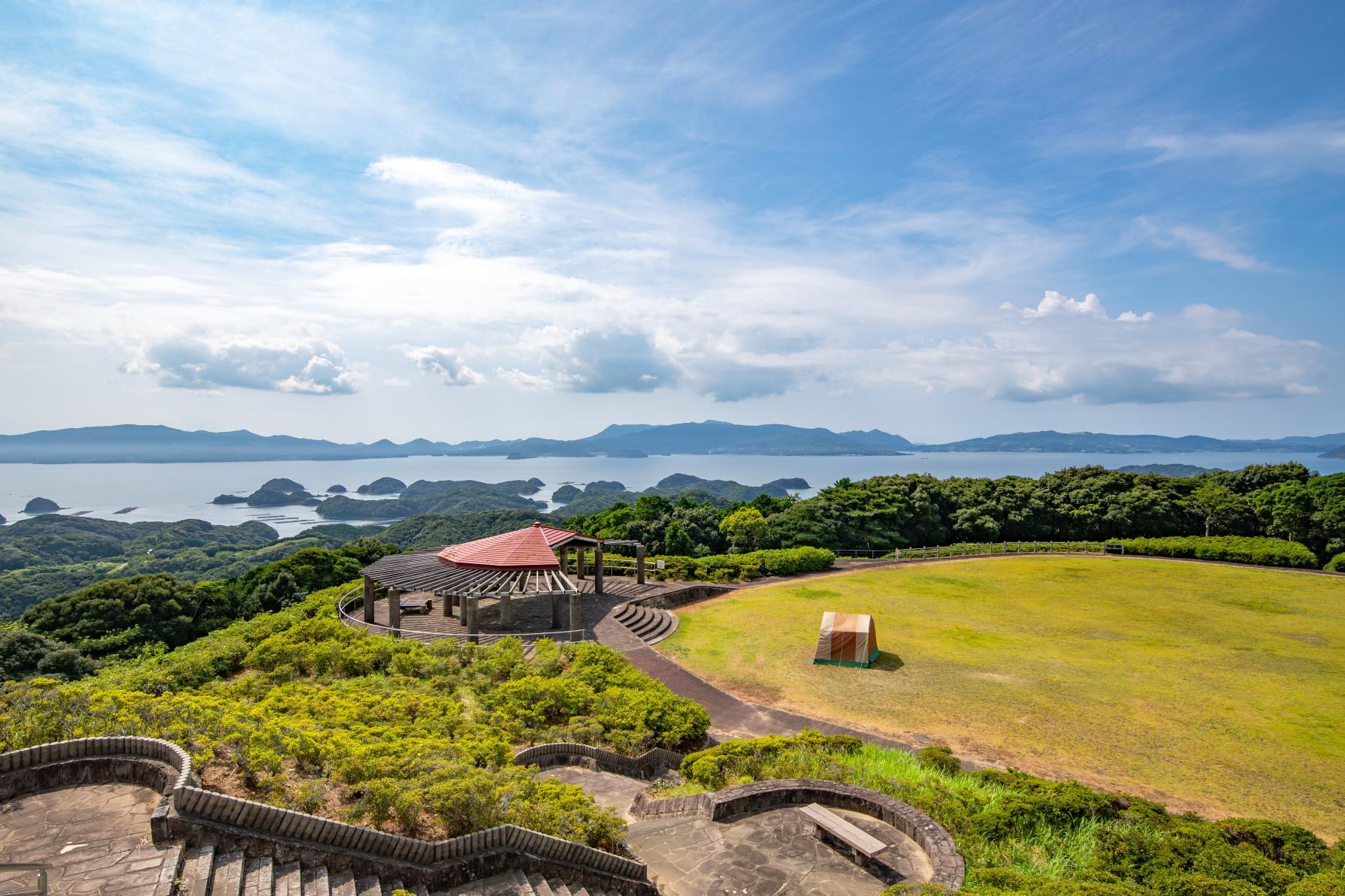 九十九島北部を望む絶景山キャンプ!約10万本のつつじの絨毯広がる「長串山」へ-0