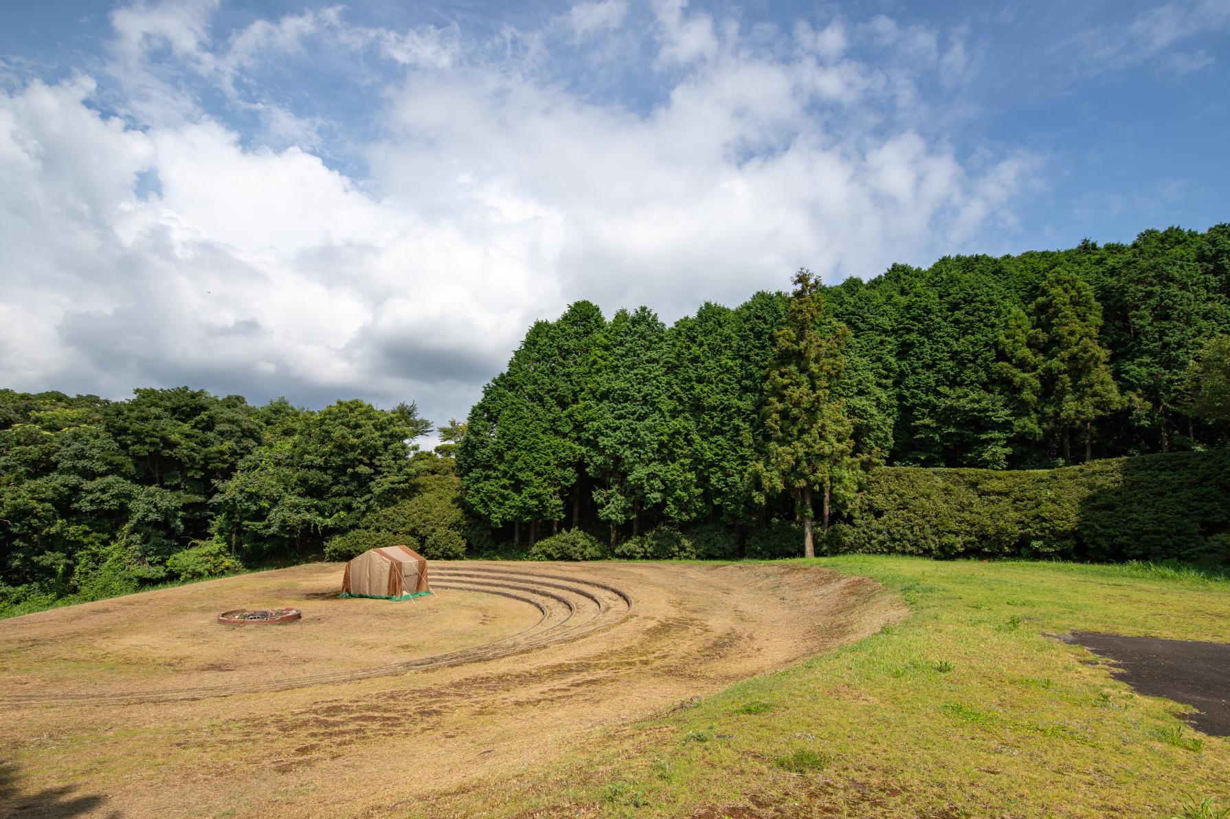 九十九島北部を望む絶景山キャンプ!約10万本のつつじの絨毯広がる「長串山」へ-2