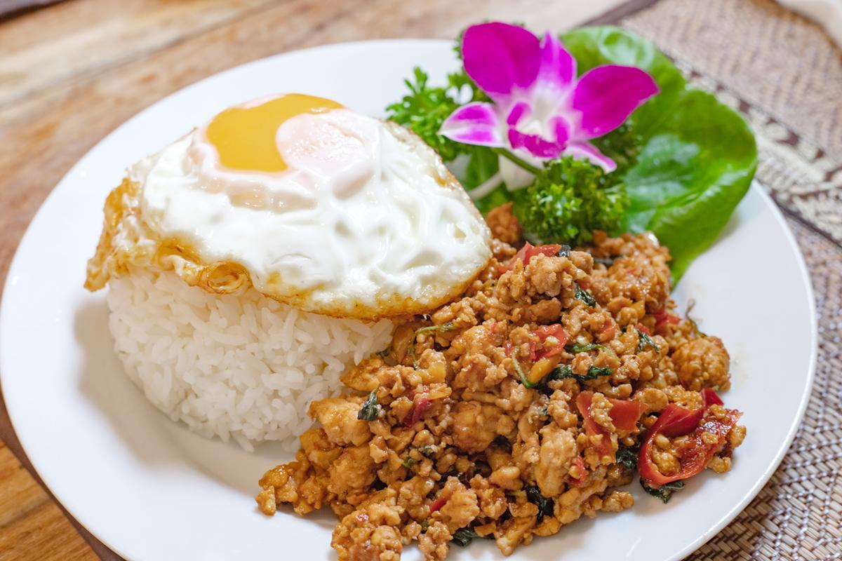 丘の上にタイの風が吹く♪本格タイ料理店「ニーラカマル」へ-1