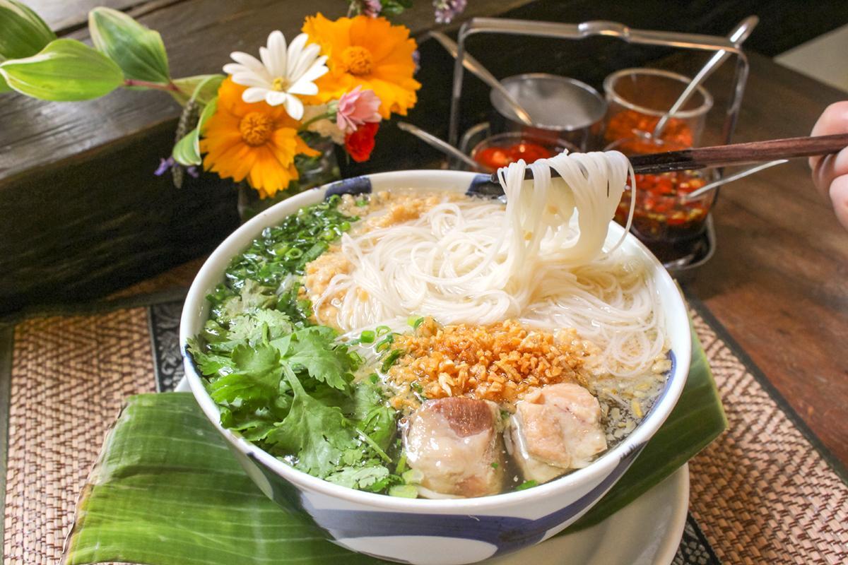 丘の上にタイの風が吹く♪本格タイ料理店「ニーラカマル」へ-0