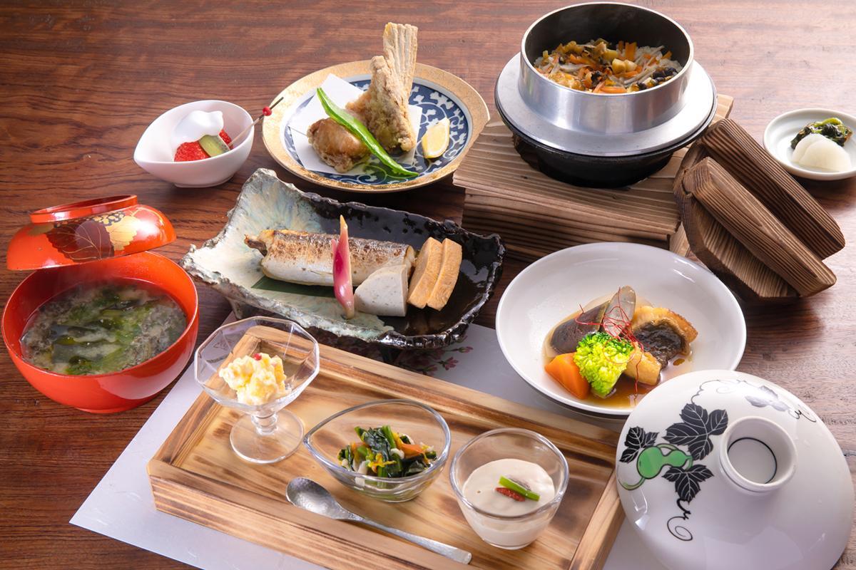 滋味深い島食材で心身を癒す 小値賀の古民家レストラン「藤松」-1
