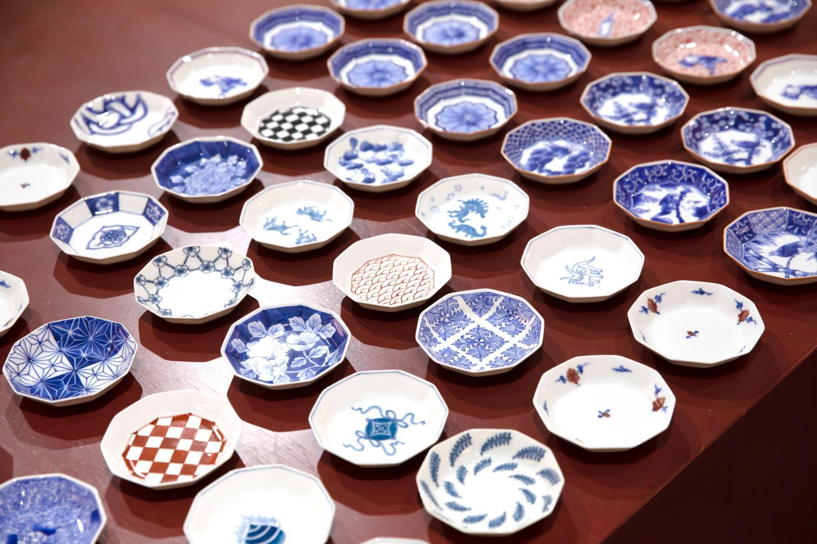 お気に入りの一枚を見つけよう♪「三川内焼」のかわいい唐子絵&豆皿-1