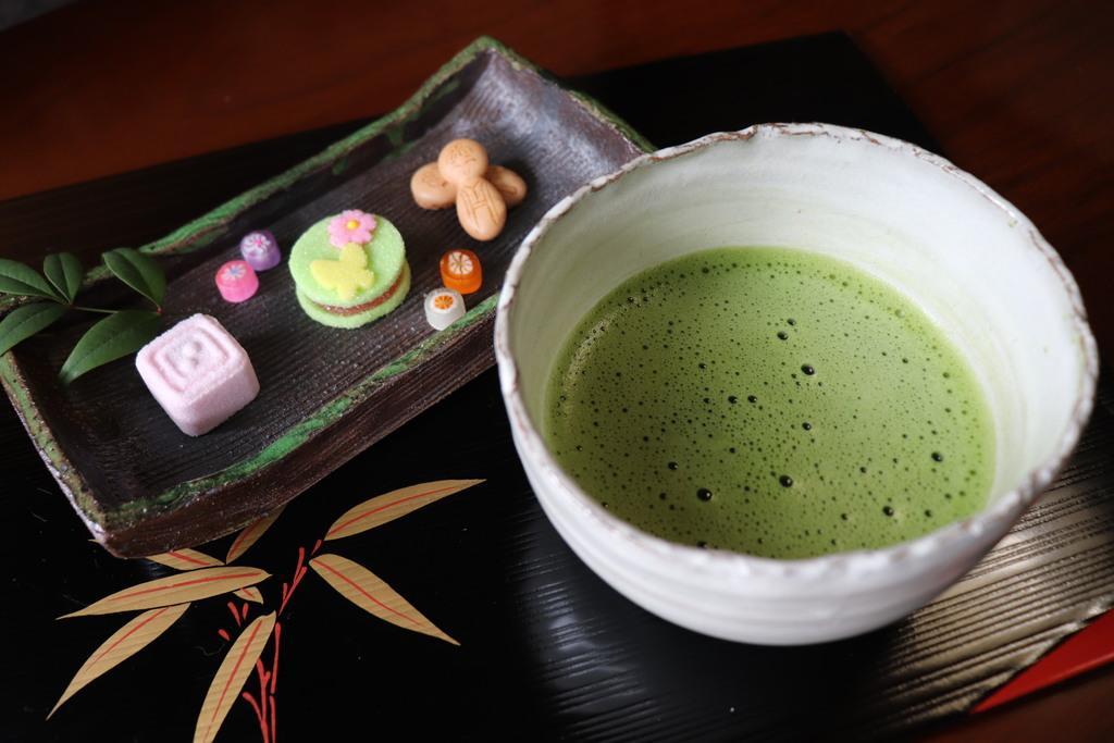 抹茶と干菓子のセット-2