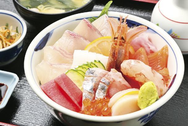 九十九島 海鮮丼 1,700円(税別・小鉢・みそ汁付)-0
