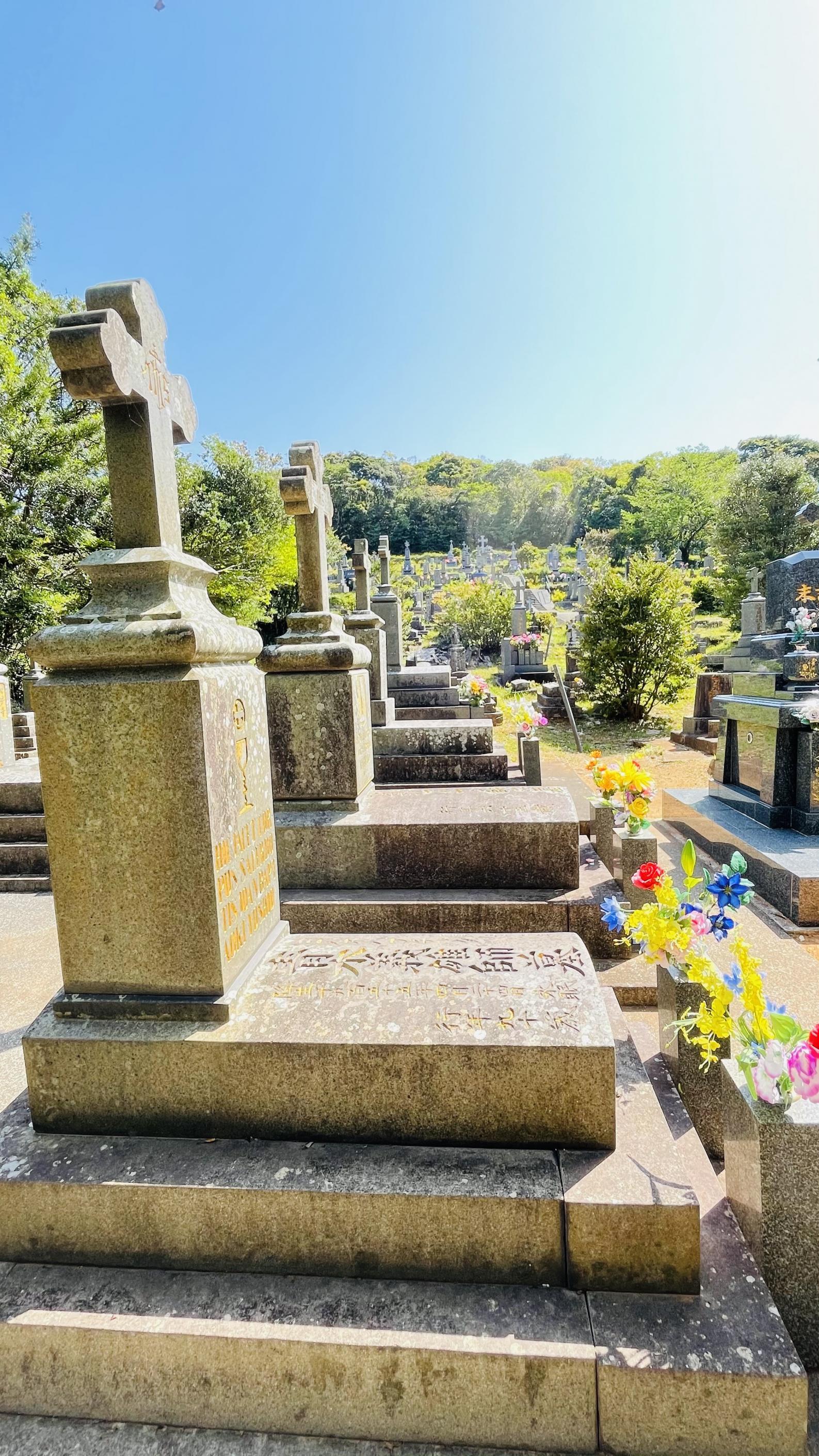【黒島】マルマン神父の墓(カトリック共同墓地)-2